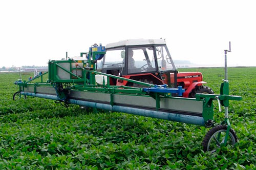 Contact herbicide applicator