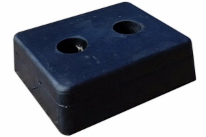 Hydraulic dock leveller accessories